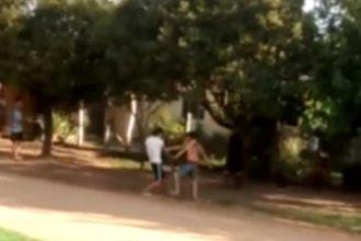 Apuñaló a un vecino por golpear a su perro: la víctima falleció camino al hospital