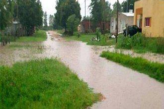El alivio al calor llegó con intensas lluvias y anegamientos en la ciudad
