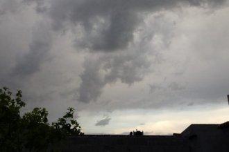 De la mano de un frente frío, tormentas y fuertes lluvias pondrían un stop al calor
