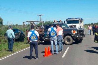 Auto despistó y terminó en una zanja: Murieron tres personas