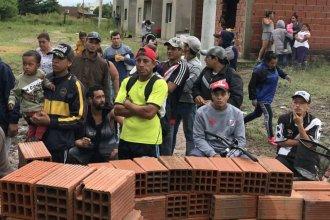 Tensión en Concepción del Uruguay: tomaron 80 viviendas sin finalizar