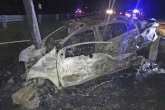 Venían del Gauchito Gil, chocaron en Ruta 14 y murieron carbonizados