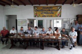 Preocupa el HLB en el Departamento Federación: Se reunieron intendentes, legisladores, referentes del citrus y funcionarios