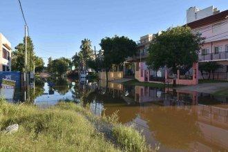 El río sobrepasó los 8,60 metros en Colón y hay 129 evacuados