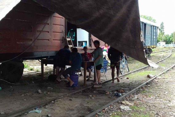 Son más de 500 las familias evacuadas: Habilitan vagones y escuelas como refugios