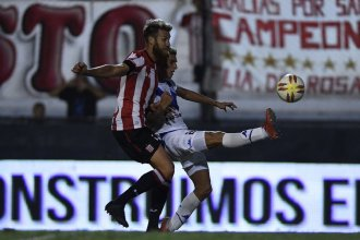 Vélez le ganó 2 a 1 a Estudiantes con un golazo del concordiense Robertone