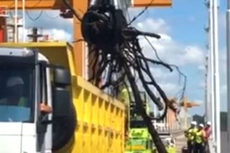 Video: así continúan los trabajos de limpieza en el puente internacional