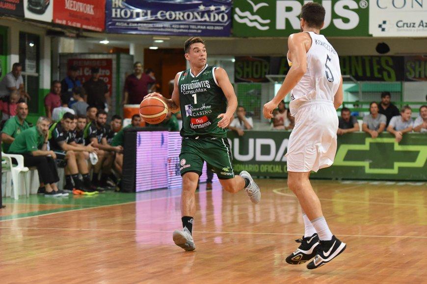 Vildoza juega su 3 año en Estudiantes.