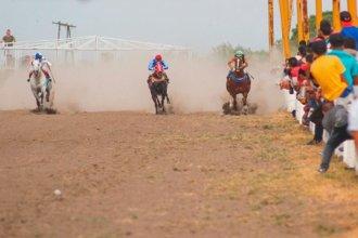 Su caballo se desbocó en una carrera y él terminó internado con lesiones graves