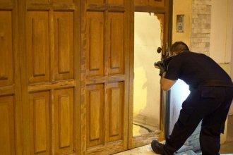 Entraron a robar a la casa de un hombre de 77 años y lo dejaron esposado más de 24 horas