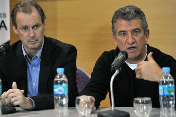 """Urribarri contraatacó a sus opositores y explicó por qué no """"son lo mismo"""" con Bordet"""