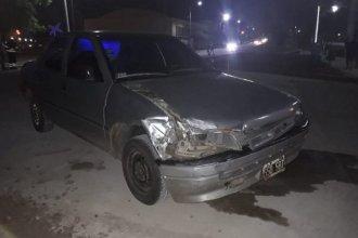 En Chajarí, un auto embistió contra uno de los vagones de un tren