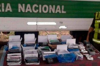 Como equipaje, pasajera transportaba casi medio millón de pesos de mercadería ilegal