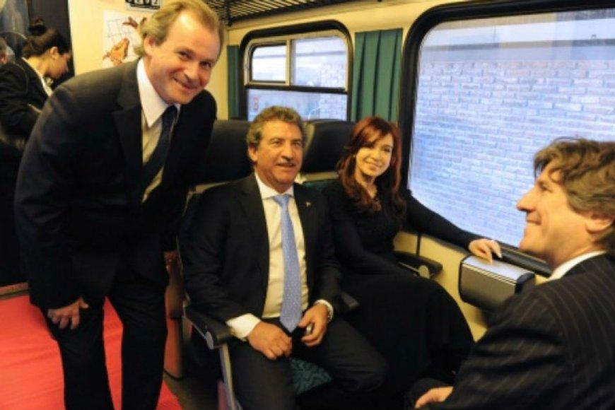 En el mismo tren: Bordet, con Urribarri y CFK.