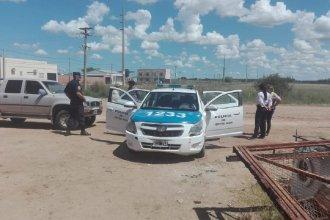 Frente a un policía, amenazó con arma de fuego al propietario de un desarmadero y quedó detenido