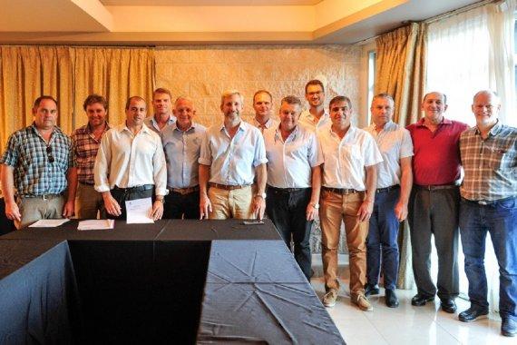 Intendentes vecinalistas se reunieron con Frigerio para respaldar la lista de Cambiemos