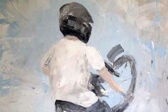 Convertir el dolor en arte: a un año de la muerte de su hijo, lo recuerda con una muestra de pinturas