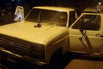 Investigan si el hallazgo de una camioneta abandonada tiene relación con el robo de equipos de sonido del corsódromo