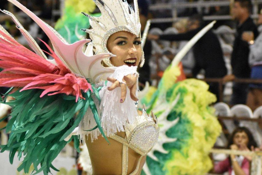 Hoy sigue el Carnaval del País (Marcelo Fiori).
