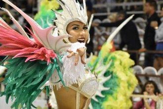 """Hubo 15 mil personas en la primera noche del """"finde XXL del Carnaval del País"""""""