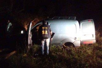 Tienen 15 años y robaron una camioneta que fue desmantelada en pocas horas: Fueron entregados a sus padres