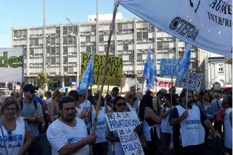 El paro nacional se siente en Entre Ríos: Agmer manifiesta frente a Casa de Gobierno