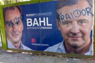 Desde la línea de Bordet salieron a repudiar las pintadas a carteles en la vía pública