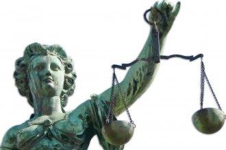 La justicia hace agua, cuando no se queda quieta