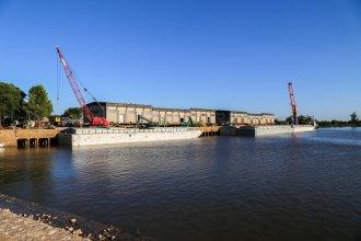 Puerto sobre el río Uruguay retoma su actividad operando con cebada malteada y contenedores