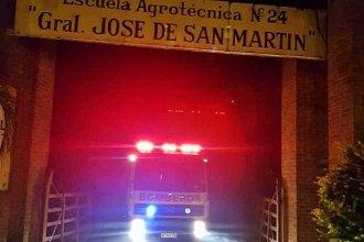 """Concordia: bomberos extinguieron un incendio en la escuela agrotécnica """"General San Martín"""""""