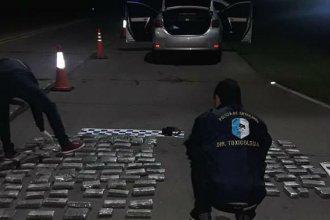 Golpe al narcotráfico: llevaban 66 kilos de drogas, guaraníes, reales, dólares y euros