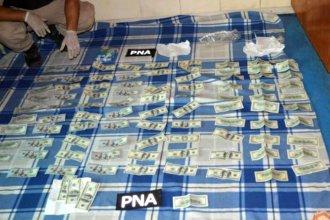En ciudad entrerriana, detuvieron a un prófugo que tenía drogas y dólares en su casa