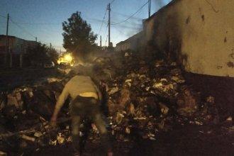 Se incendiaron 25.000 kilos de cartón que estaba listo para vender y sospechan que fue intencional