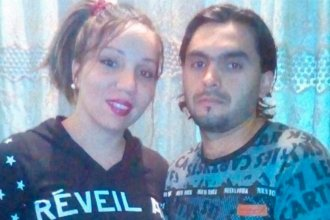 Pedirán prisión perpetua para el padre y la madrastra de la niña muerta por golpes