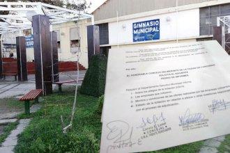 Llegó al Concejo Deliberante la polémica por la licitación del piso deportivo del gimnasio municipal