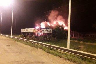 Departamento Federación: un comercio de productos regionales se incendió en su totalidad