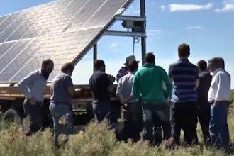 En una arrocera elisense, realizaron el primer ensayo experimental de riego con energía solar