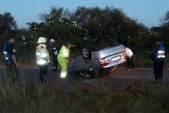 Camionero rescató a cuatro personas que volcaron en plena ruta 12