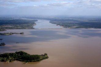 Desde el aire, Salto Grande hace un relevamiento de las dos orillas del lago