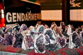 Gendarmería incautó 481 piedras semipreciosas, que habían ingresado al país por el puente de Salto Grande