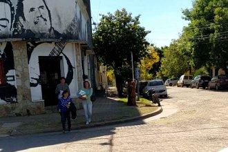 Este viernes por la mañana, entregaban bolsones de alimentos en Acción Social de la Municipalidad