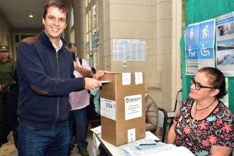 Enrique Cresto fue a votar junto a su padre