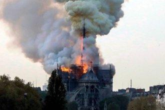 Arde en llamas la catedral de Notre Dame, en París