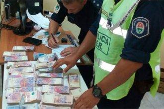 En ruta entrerriana, incautaron más de un millón de pesos a dos ciudadanos chinos