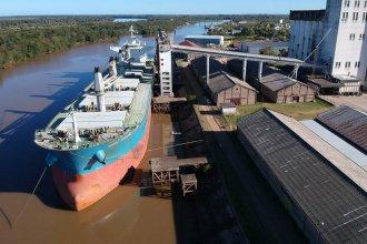 """El """"Nordic Stavanger"""" zarpará del puerto de Concepción del Uruguay con una carga récord"""
