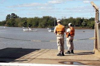 Prefectura busca a un hombre que cayó al río y desapareció