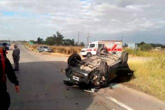 Familia entrerriana volcó tras chocar con un camión en una ruta cordobesa