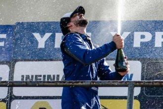 Profeta en su tierra: Agustín Milera debutó y ganó, en el Top Race Junior