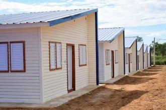 Familias que sufrieron la creciente recibieron las llaves de su nueva casa