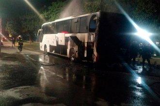 Un colectivo se incendió en pleno movimiento en Entre Ríos